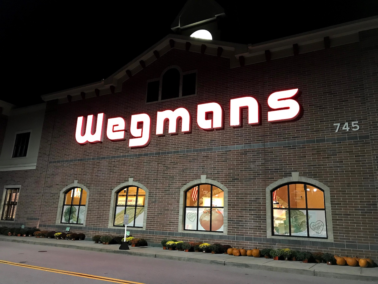 Wegmans responds after questions raised about mask policy
