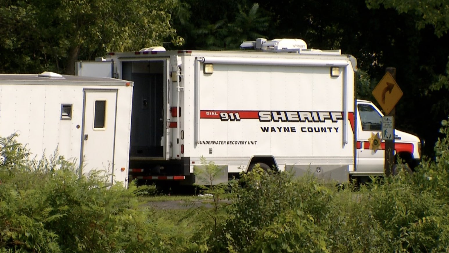 Man drowns trying to save dog in Erie Canal